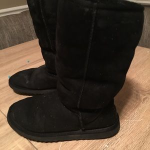 Black ladies UGG boots